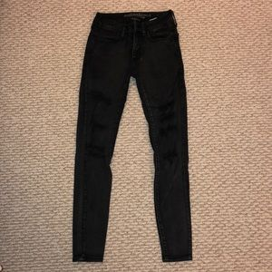 Black ripped AE jeggings